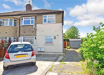 Tomswood Hill, Hainault, Essex IG6. 2 bed maisonette