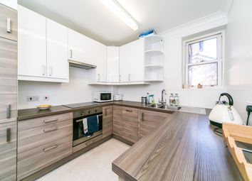 Thumbnail 3 bed flat to rent in St. Peters Hill, Caversham, Reading