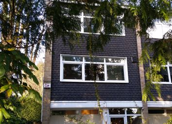 Thumbnail Town house to rent in Sunninghill Court, Sunninghill, Ascot