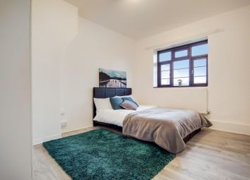 Thumbnail 2 bed flat to rent in Hardy House, Clapham