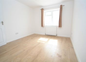 Thumbnail 1 bedroom flat to rent in Rutland Avenue, High Wycombe