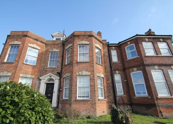 2 bed flat to rent in Hilborough Road, Tuffley, Gloucester GL4
