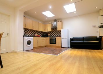 Thumbnail 3 bed flat to rent in Fenlake Road, Bedford