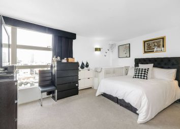 Thumbnail 2 bedroom flat for sale in Prestons Road, Canary Wharf