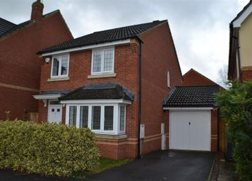 Thumbnail 3 bed detached house for sale in Kestrels Mead, Tadley