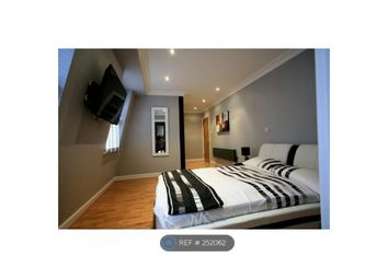 Thumbnail 2 bed flat to rent in Queens Gate Terrace, London