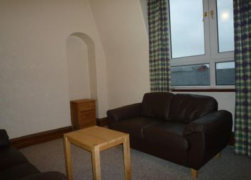 2 bed flat to rent in Hardgate, Aberdeen AB10