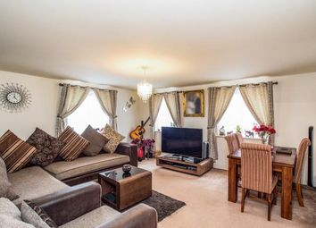 Thumbnail 2 bed flat for sale in Station Road, Kings Langley, Hertfordshire