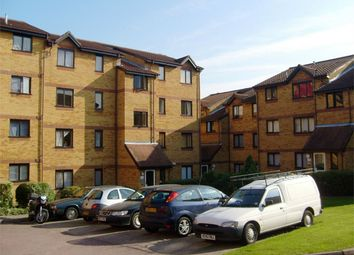 Thumbnail 2 bed flat to rent in Cornmow Drive, London