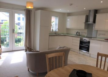 2 bed flat to rent in Townside Court, Crown Place, Reading RG1