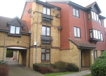 1 bed flat to rent in Sterling Gardens, New Cross, London SE14