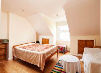 Thumbnail 1 bedroom flat to rent in Stoke Newington Road, London