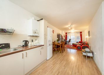 Thumbnail 2 bed flat to rent in Church Street, London