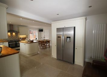 Thumbnail 5 bedroom detached house for sale in Beacon Hill Road, Newark