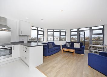 Thumbnail 2 bed flat to rent in Oldridge Road, London