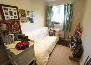 Thumbnail 1 bed flat to rent in Brassie Avenue, Acton