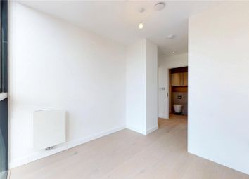 Thumbnail 1 bed flat to rent in Hill House, Archway, London