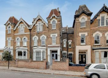 Thumbnail 1 bed flat to rent in Victoria Road, Finsbury Park, London