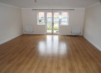 3 bed property to rent in Surtees Close, Ashford TN24