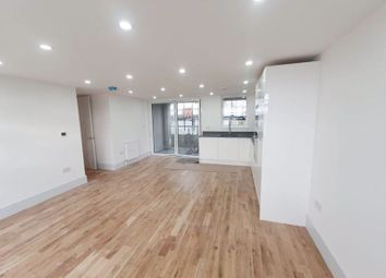 2 bed flat to rent in Kingston Road, Ewell, Epsom KT17