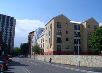 Thumbnail 2 bedroom flat to rent in White Star Place, Southampton
