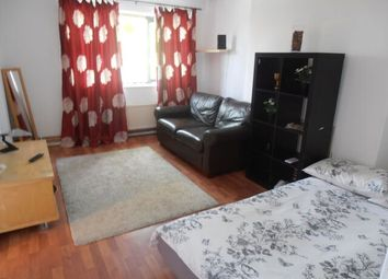 Thumbnail 2 bed flat to rent in Treaty Street, King's Cross