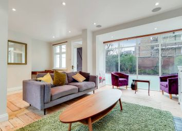 2 bed property to rent in Penhurst Place, Waterloo, London SE1