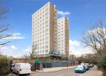 3 bed detached house to rent in Oak Lane, Limehouse, London E14