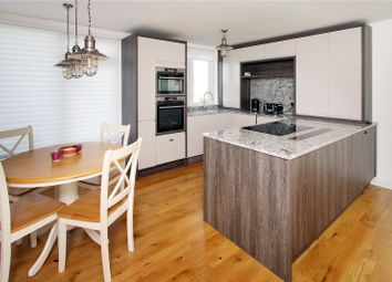 Overstrand Avenue, Rustington, West Sussex BN16. 2 bed flat for sale