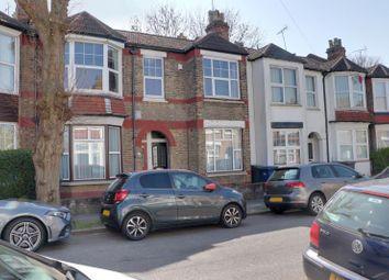 3 bed property for sale in Leslie Road, London N2