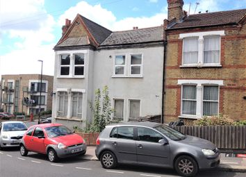 Thumbnail 1 bed flat to rent in Montem Road, Forest Hill, London