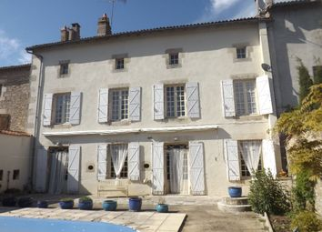 Thumbnail 5 bed property for sale in Poitou-Charentes, Vienne, Charroux