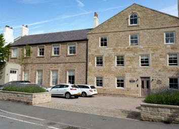 Thumbnail 2 bed flat to rent in Devonshire Place, Harrogate