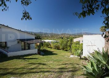 Thumbnail 3 bed villa for sale in Marbella, Málaga, Spain