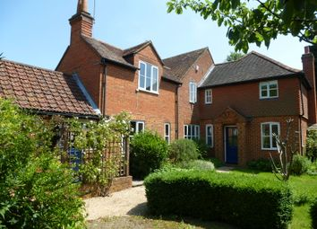 4 bed semi detached to let in Pottery Lane
