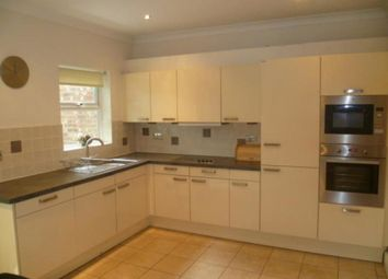 Thumbnail 5 bedroom detached house to rent in The Bridle Road, Purley
