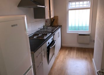 Thumbnail Room to rent in Snakes Lane East, Woodford