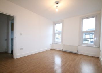 Thumbnail 1 bed flat to rent in Brighton Road, South Croydon, Surrey