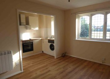 Thumbnail 1 bed flat to rent in Pickwell Close, Lower Earley, Reading