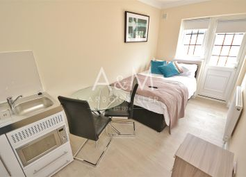 Thumbnail Studio to rent in Clifford Avenue, Ilford