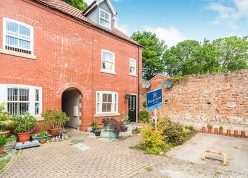 Thumbnail 3 bed property to rent in Robert Barnett Close, Hessle