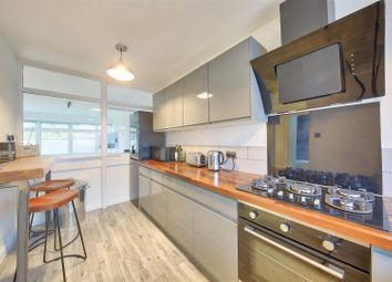 1 bed property for sale in Shuttleworth Road, Battersea, London SW11