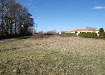Thumbnail Property for sale in Poitou-Charentes, Charente, Saulgond