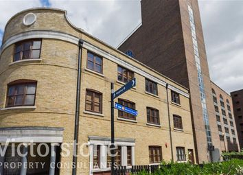 Thumbnail 3 bedroom flat to rent in Kingsley Mews, Wapping, London
