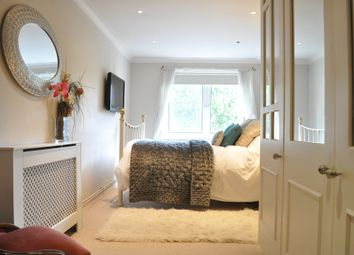 2 bed flat to rent in Gallagher Court. 49 Winders Road, London, 3HD, London (Gb) SW11