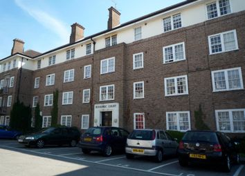 Thumbnail 3 bedroom flat to rent in Bishopric Court, Horsham