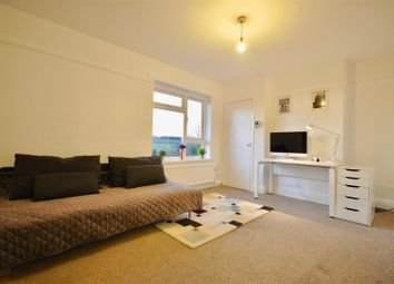 Thumbnail 1 bed flat to rent in The Green, Saffron Walden
