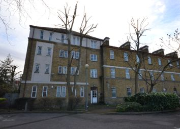 Thumbnail 1 bed flat to rent in Avonley Road, London