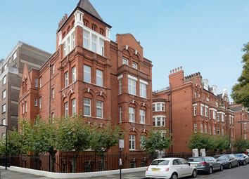 Thumbnail 2 bed flat to rent in Ravens Court Park, London