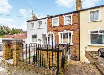 Haggard Road, Twickenham TW1. 2 bed flat for sale